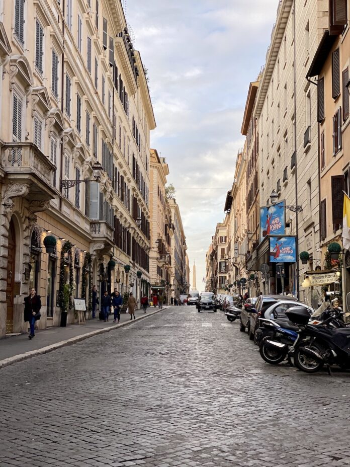 Ten-minute walk to the Spanish Steps
