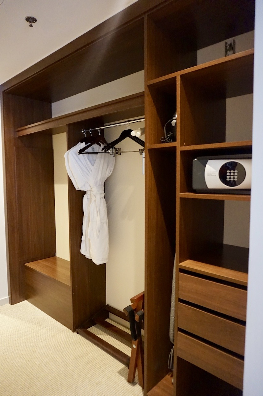 Hyatt Regency Cartagena suite closet
